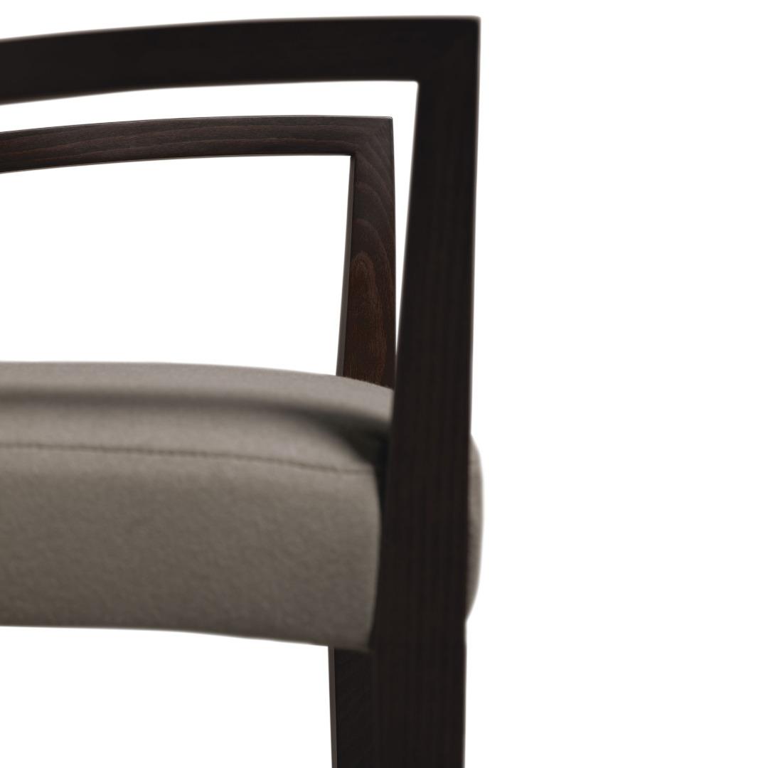 BR-1000-1 Blaze Arm Chair